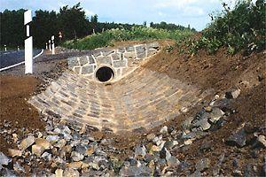 Durchlass aus Wasserbausteinen