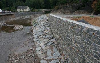 Stützmauer in Weesenstein